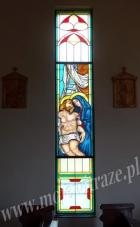 Zdjęcie z krzyżą Jezusa - witraż