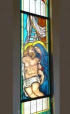 Matka Boska, Jezus - zdjęcie z krzyża - witraż